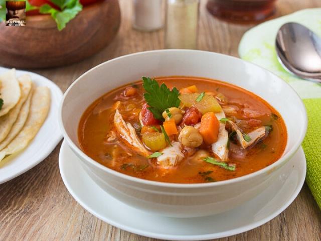 Марокканский Суп из курицы с лимоном